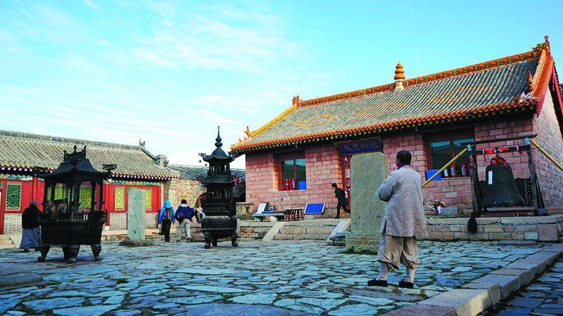 南台頂上普濟寺的殿宇